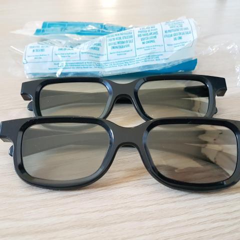 troc de  2 lunettes 3D, sur mytroc