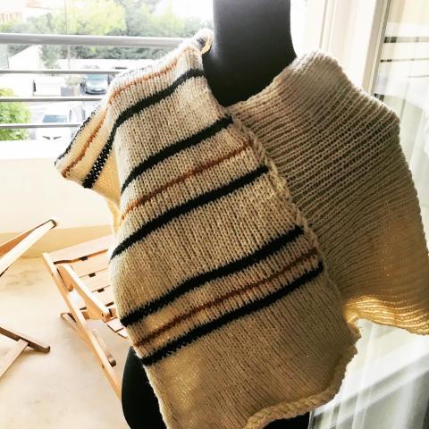 troc de  Poncho court en pure laine fait main - «Tanger», sur mytroc