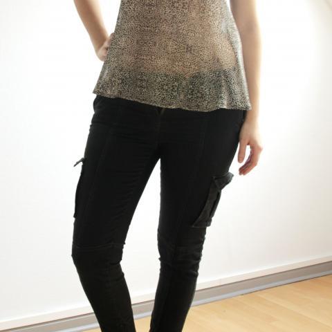 troc de  DON Pantalon noir 7/8 Marque Monoprix Taille 40, sur mytroc