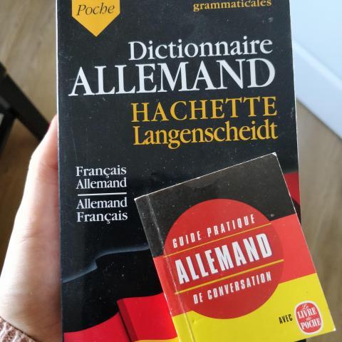 troc de  Dictionnaire + petit livre Allemand/Français, sur mytroc