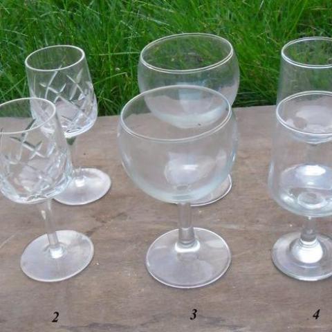 troc de  Diverses paires de verre: Champagne,Vin, Ricard..., sur mytroc
