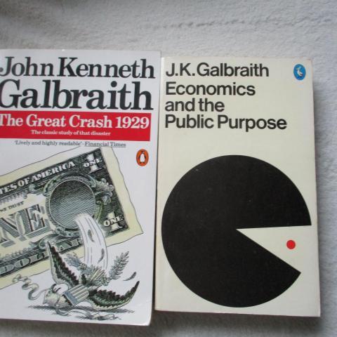 troc de  2 livres en anglais de Galbraith l'économiste, sur mytroc