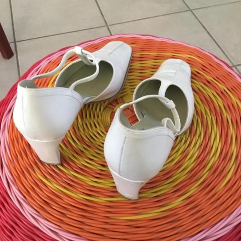 troc de  DONNE Chaussures femme à talons élégantes pointure 37, sur mytroc