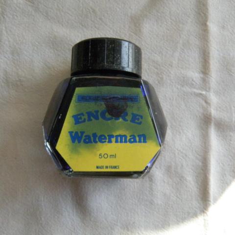 troc de  Réservé Dauvpic Bouteille encre Waterman bleu, à moitié, sur mytroc