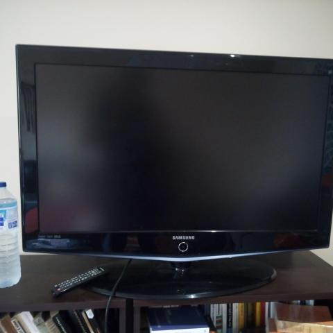 troc de  TV Samsun en très bon état, fonctionne parfaitement, sur mytroc