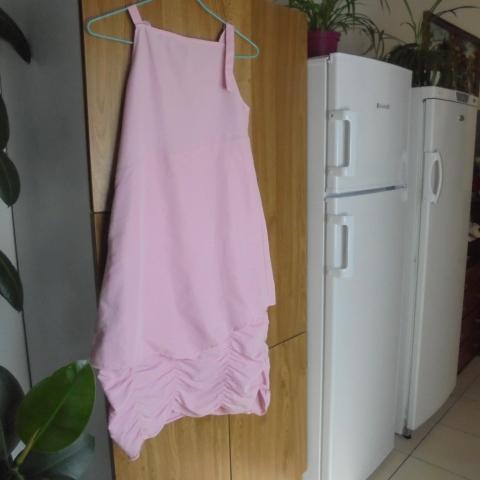 troc de  robe rose fantaisie    12  ans      10  noisettes, sur mytroc