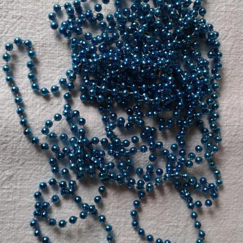 troc de  RESERVE *****Grande guirlande de perles turquoise, sur mytroc