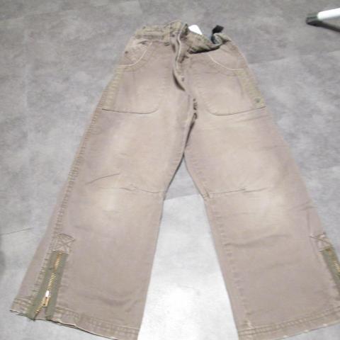 troc de  pantalon 6 ans reglable marron 5 noisettes, sur mytroc