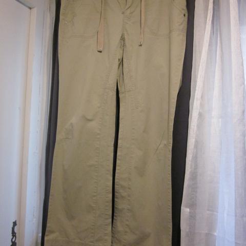 troc de  Pantalon beige T40 Esprit 100%coton, sur mytroc