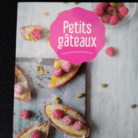 troc de  Livret de recettes Petits gâteaux, sur mytroc