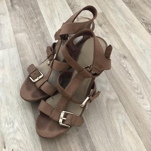 troc de  Chaussures compensées taille 38, sur mytroc