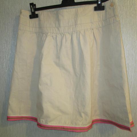 troc de  jupe courte taille 46 porte feuille  8 noisettes, sur mytroc
