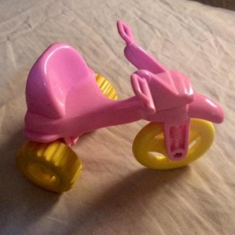 troc de  Tricycle rose miniature, sur mytroc