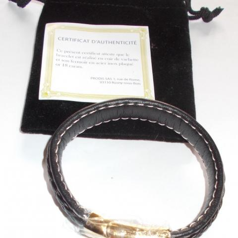 troc de  réservé - Bracelet en cuir noir, sur mytroc