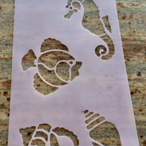 troc de  Lot 3 pochoirs plastique - thème océan - poissons, coquillages, hippocampes, sur mytroc