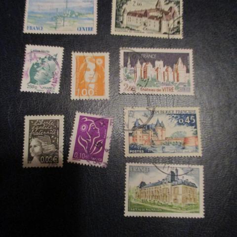 troc de  réservé DAUVPIC - lot  9 timbres chateaux et autres, sur mytroc