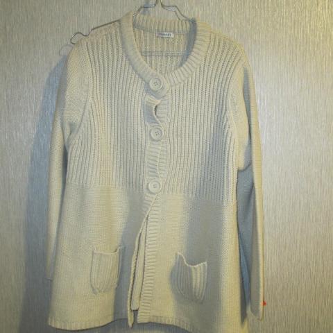 troc de  reserve    Veste de laine Damard  taille 46/48 25 noisettes, sur mytroc