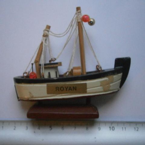 """troc de  Mini bateau """"Royan"""", sur mytroc"""