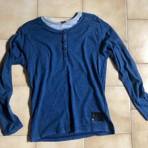 troc de  T-shirt Manches longues bleu gris 8 ans, sur mytroc