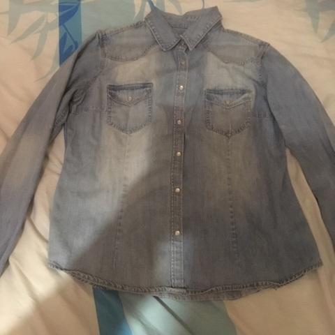 troc de  Réservé Nonore13 chemise bleu jean délavé taille 42, sur mytroc