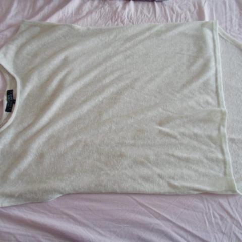 troc de  * Haut blanc Taille 1, sur mytroc