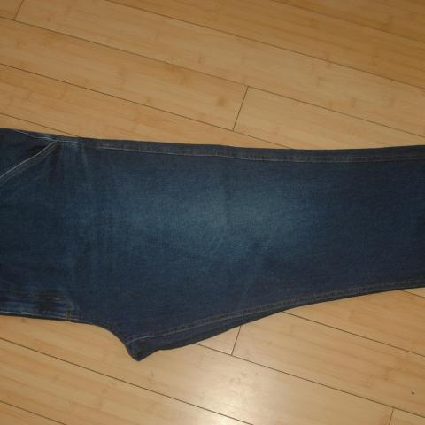 troc de  jean homme taille 58, sur mytroc