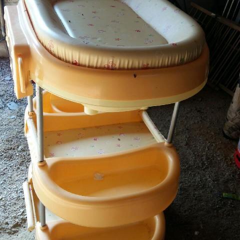 troc de  Table à langer /baignoire bébé, sur mytroc