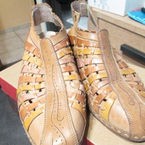 troc de  chaussures pointure 41 pikolinos, sur mytroc
