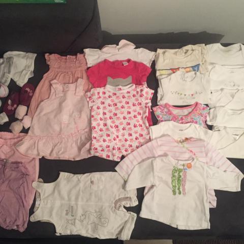 troc de  Lot de vêtements bébé 3 mois saison été, sur mytroc