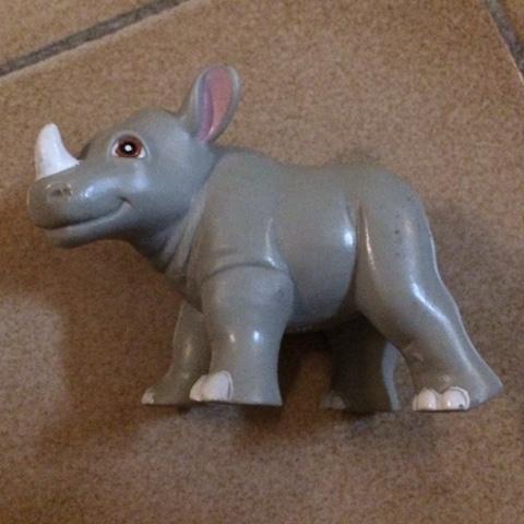 troc de  Figurine bébé rhinocéros - plastique - très bon état - 8 cm, sur mytroc