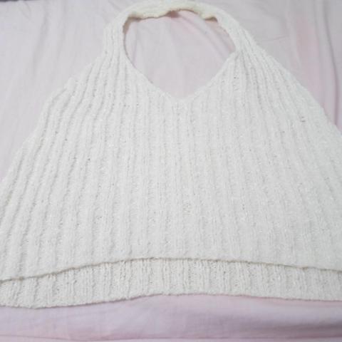 troc de  Haut blanc en laine très court, sur mytroc
