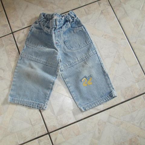 troc de  jeans 18 mois 3 noisettes port compris, sur mytroc