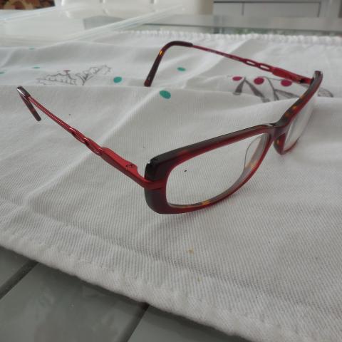 troc de  lunettes femme + etui, sur mytroc
