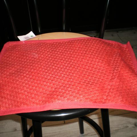 troc de  Set de table nf rouge 43,5X30,5 style paille, sur mytroc