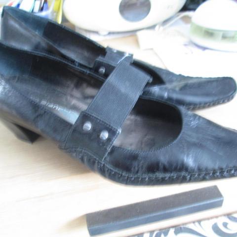 troc de  Belle chaussures pointure 39  marque pierre bianchi comme neuf, sur mytroc