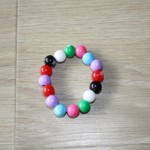 troc de  Bracelet élastique en perles, sur mytroc