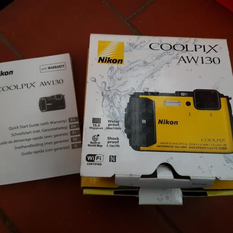 troc de  Boite et notice Nikon coolpix aw130, sur mytroc