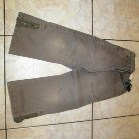 troc de  pantalon kaki 6 ans taille elastique reglable 4 noisettes, sur mytroc