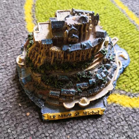 troc de  Miniature mont Saint Michel, sur mytroc