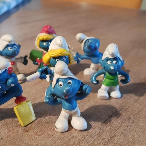 troc de  Reservé MManga Lot figurines shtroumph, sur mytroc