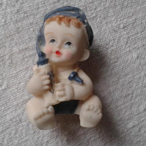 troc de  Joli bibelot bébé et son biberon, sur mytroc