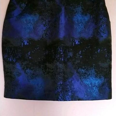 troc de  Jupe noir et bleu taille 36 marque H&M, sur mytroc