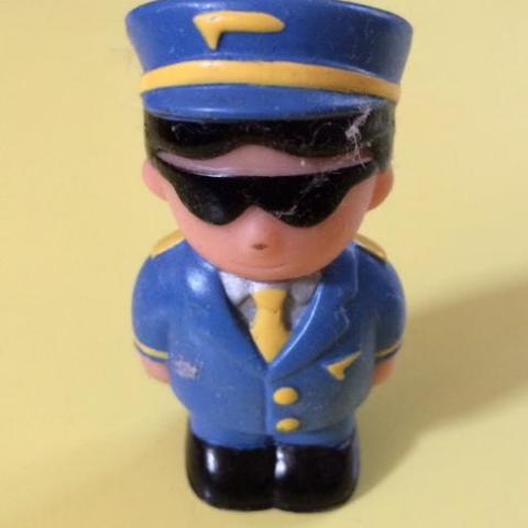 troc de  Figurine pilote avion 7 cm, sur mytroc