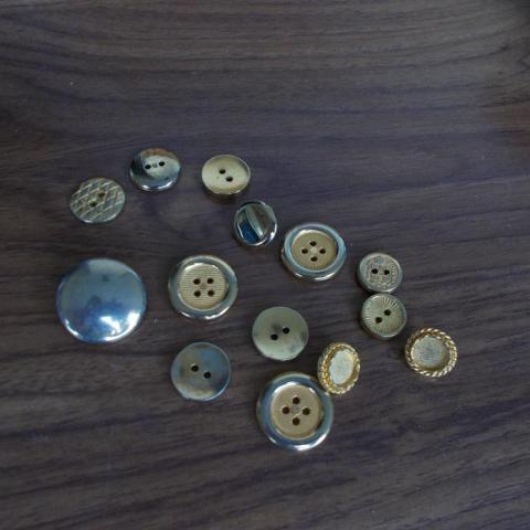 troc de  boutons dores, sur mytroc
