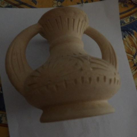 troc de  vase rapporté de tunisie 13 cm environ, sur mytroc