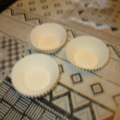 troc de  moules papier pour faire petit dessert 1 noisettes, sur mytroc
