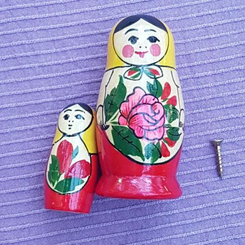 troc de  2 petites poupées russes, sur mytroc