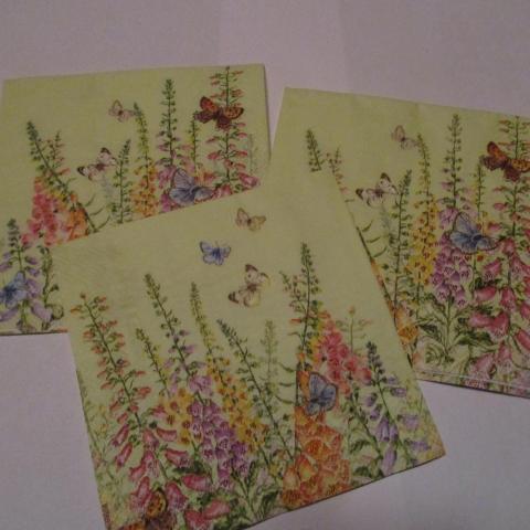 troc de  3 petites serviettes en papier fleurs, sur mytroc