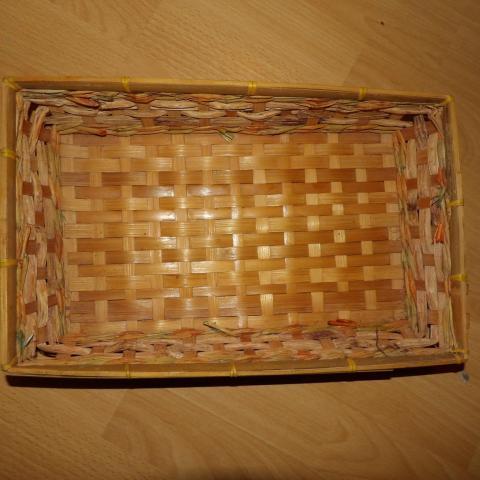 troc de  corbeille osier rectangle 35 cm environ, sur mytroc