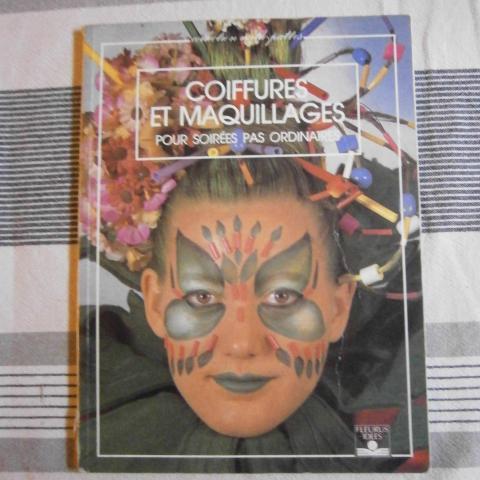"""troc de  Livre de loisirs """"Coiffures et maquillages"""", sur mytroc"""